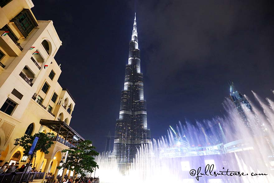 Dubai Fountains Show and The Burj Khalifa at night