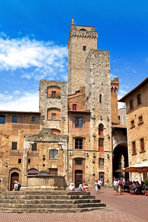 San Gimignano is one of the nicest small towns in Tuscany Italy