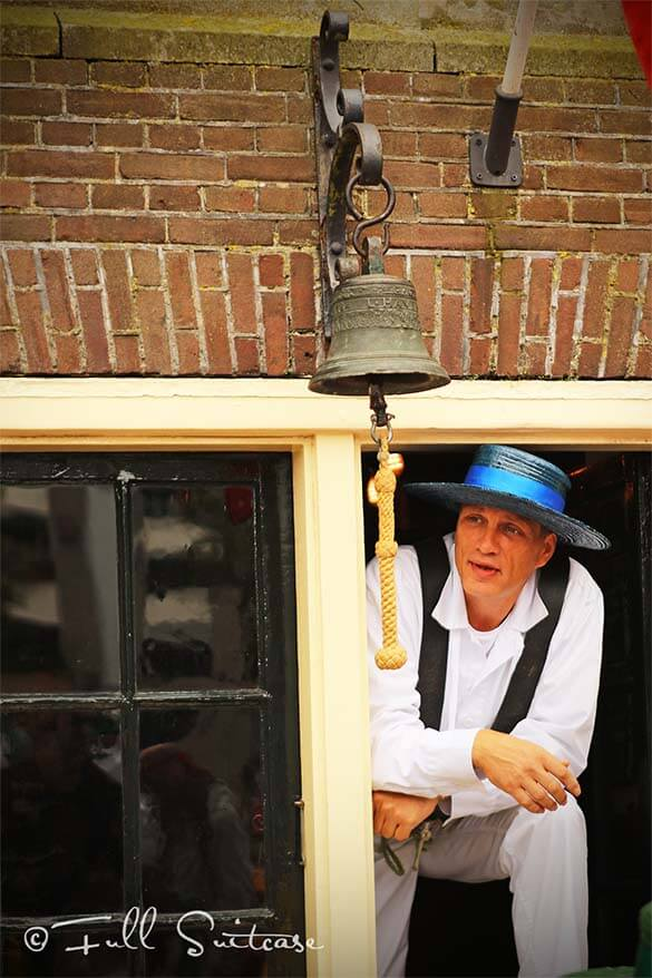 Alkmaar cheese market bell
