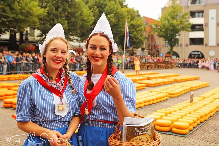 Dutch cheese girls at Alkmaar cheese market