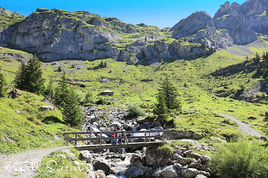 Hike from Oeschinensee to Unterbärgli in Switzerland with young kids