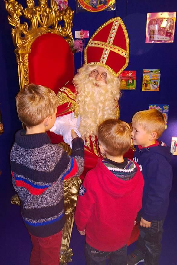 Kids meeting Sinterklaas, Belgium