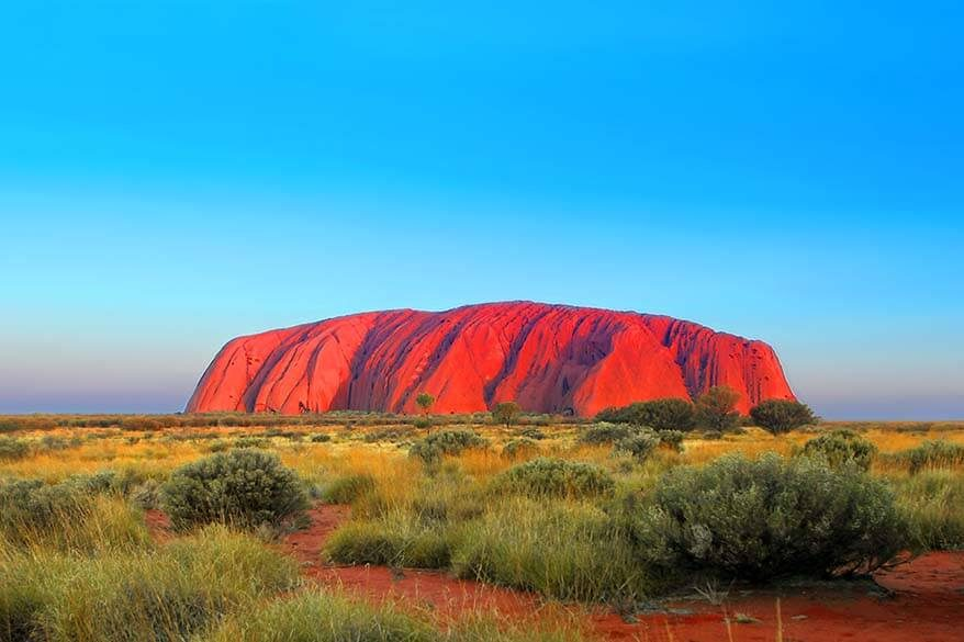 Australia Red Centre itinerary for the most complete road trip including all the highlights like Ayers Rock, Kings Canyon, West MacDonnell ranges and more