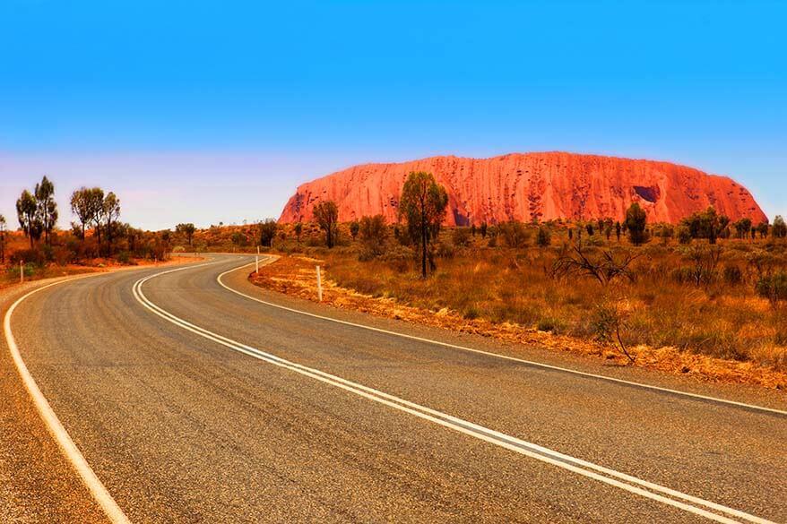 Driving in Uluru - Kata Tjuta National Park