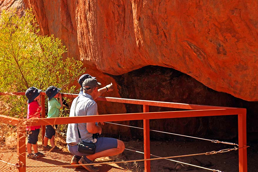 Mala walk at the Ayers Rock with kids