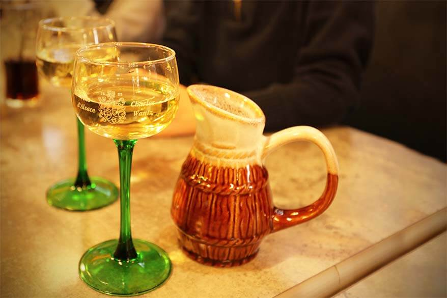 Traditional Alsace Wine Glasses with Green Stem