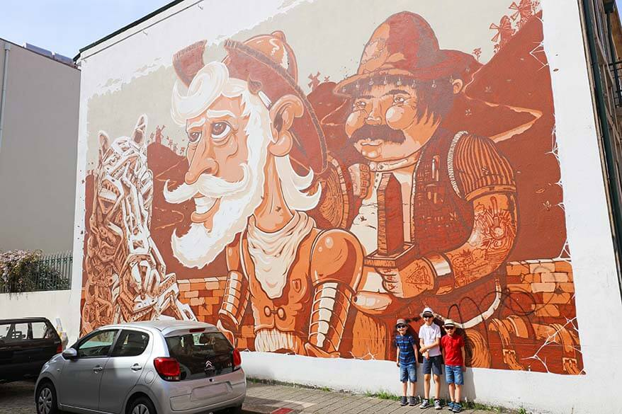 Discovering street art in Portugal with kids