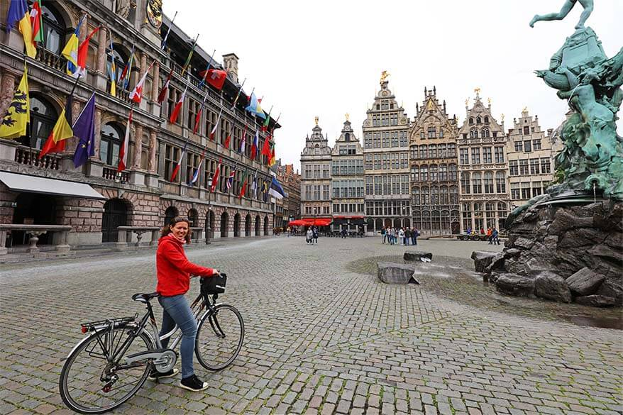 Discovering the landmarks and the hidden gems of Antwerp by bike