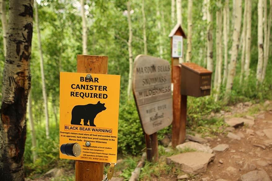 Bear warning at Snowmass Wilderness Area