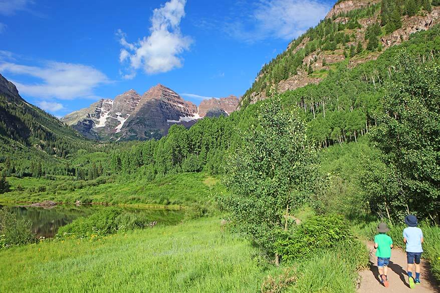 Hiking Maroon Bells scenic loop trail with kids