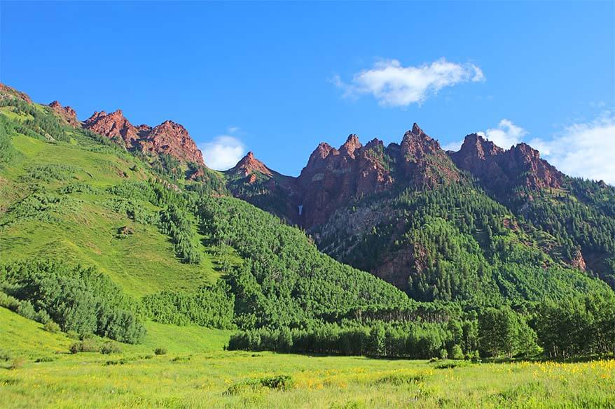 Red Mountains at the Maroon Bells in Snowmass Wilderness area