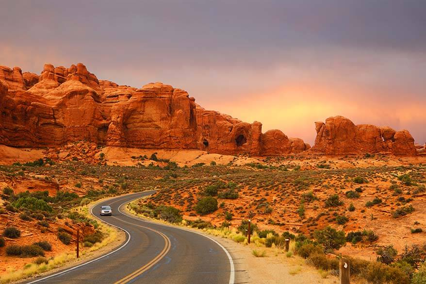 USA road trip for nature lovers - visit Arches, Yellowstone, Aspen, Rocky Mountains National Park, and more. Itinerary for 2 - 3 weeks