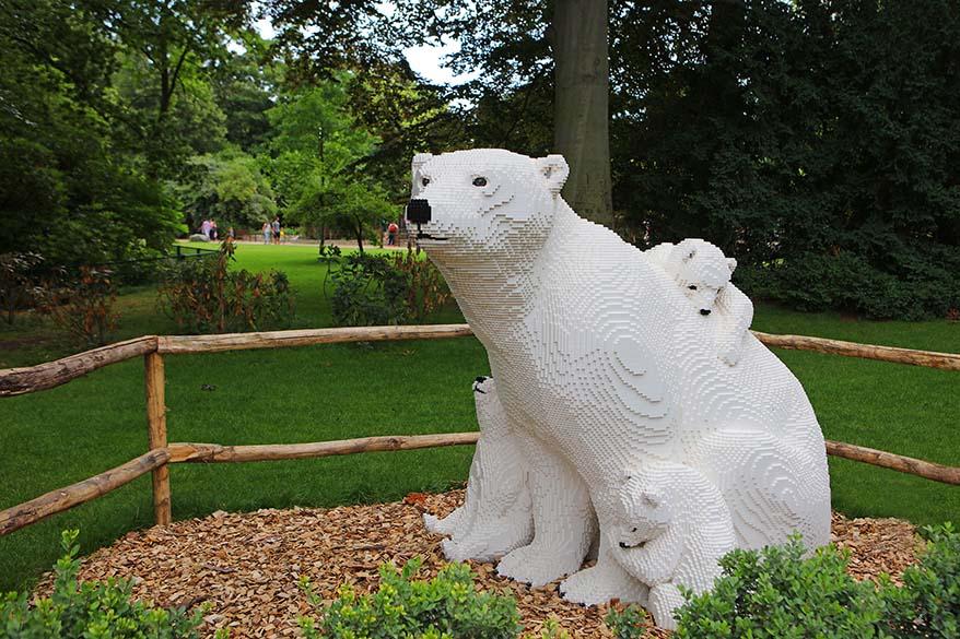 Planckendeal - Art with Lego Bricks - White Bear