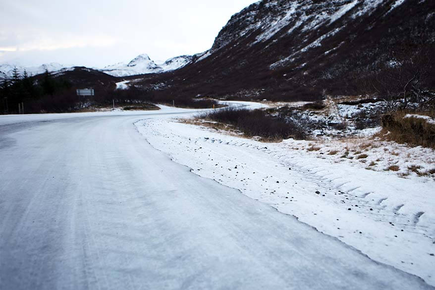 Driving the Golden Circle in winter - the road is covered in ice