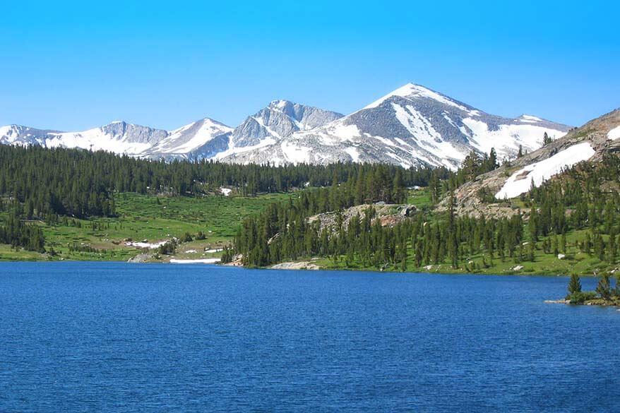 Yosemite scenic road from Crane Flat to Tioga Pass