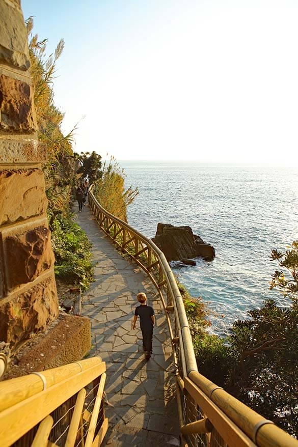 Via dell'Amore in Riomaggiore Italy