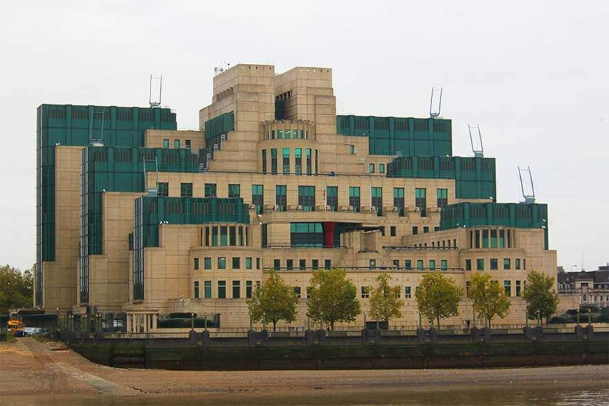 The MI 6 Building (SIS) at Vauxhall Cross in London