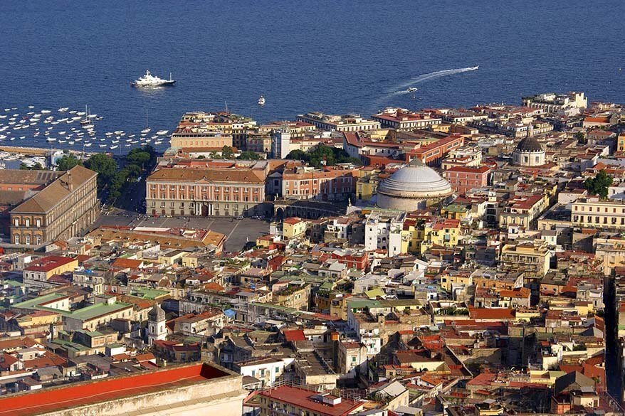 Naples city can easily be included in any Amalfi Coast itinerary