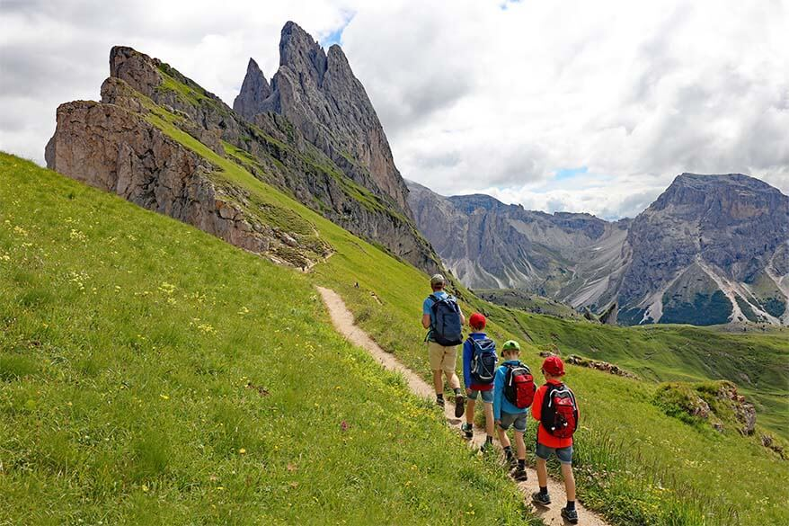 Hiking the beautiful Seceda Pieralongia trail in the Dolomites