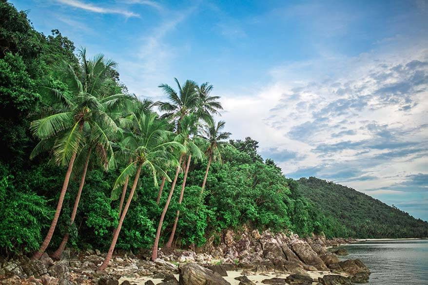 Phuket island hopping - popular and less known islands that you can easily visit from Phuket