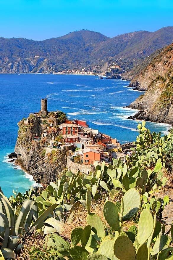 Stunning sea views near Vernazza town in Cinque Terre