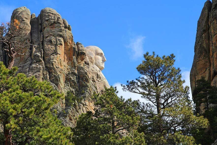 George Washington sculpture - Mt Rushmore Presidential Trail
