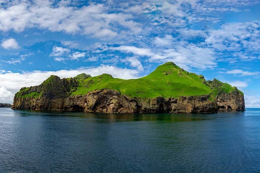 Travel guide to Westman Islands in Iceland