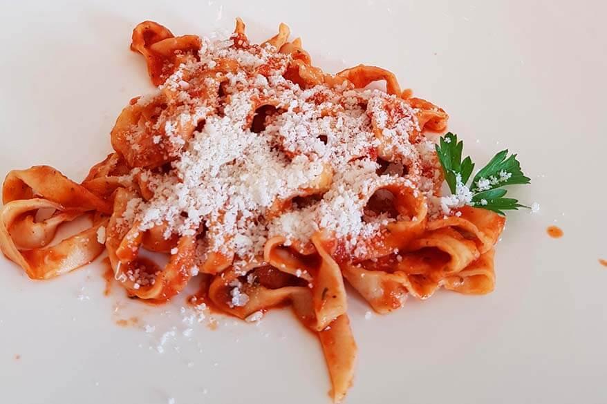 Tagliatelle traditional Romagna style - Pellegrino Artusi recipe 71