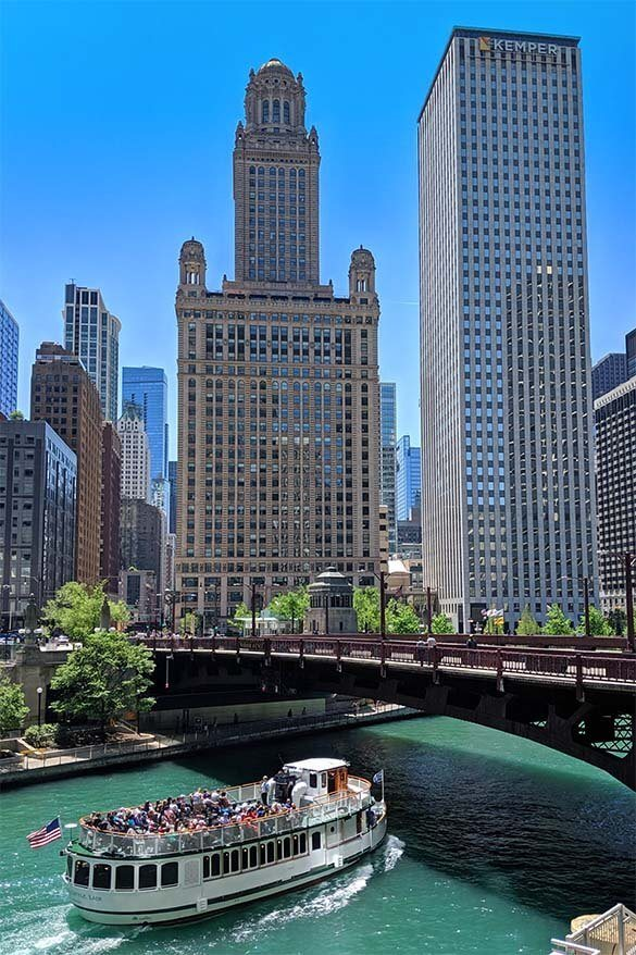 Two days in Chicago - river cruise is one of the best things to do
