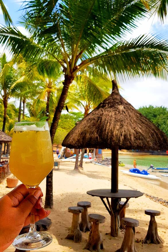 All inclusive cocktails at the beach bar in The Ravenala Attitude 4 star resort in Mauritius