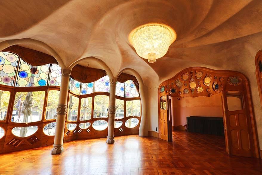 Casa Battlo - one of the best Gaudi buildings in Barcelona