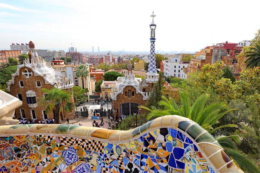 Gaudi tour Barcelona - review of the best walking tour that covers the main Gaudi buildings in Barcelona