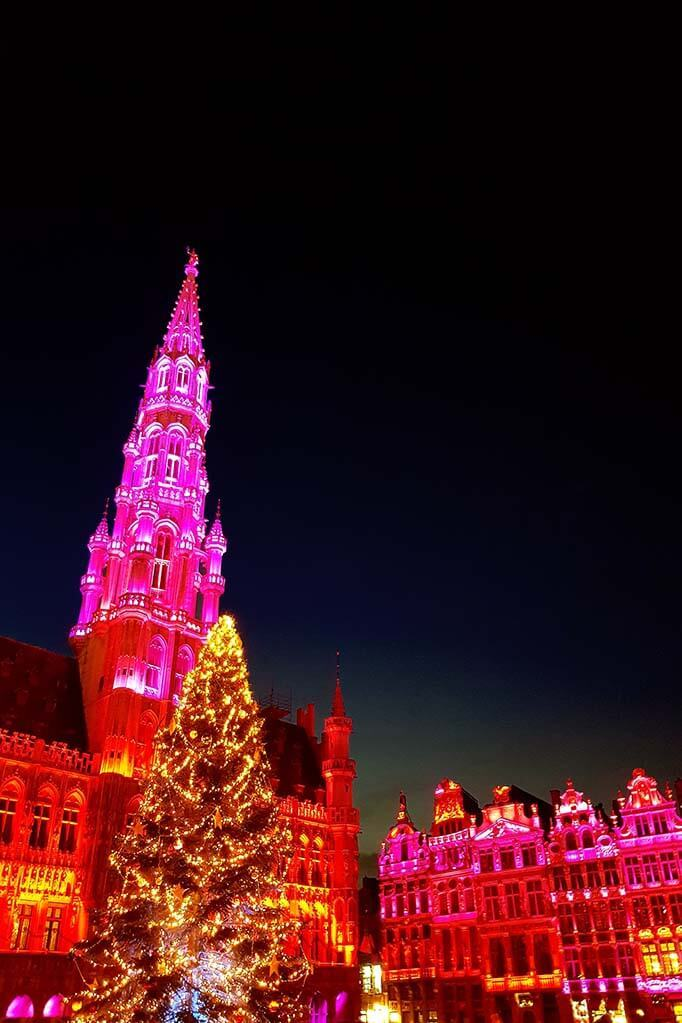 Brussels Christmas market light show