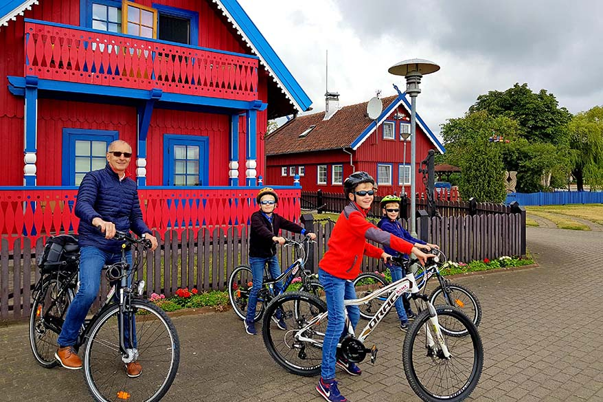 Exploring Nida by bike with kids
