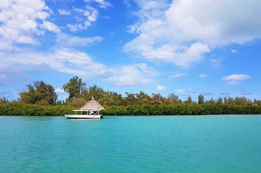 Ile aux Cerfs tour by catamaran or speedboat - Mauritius