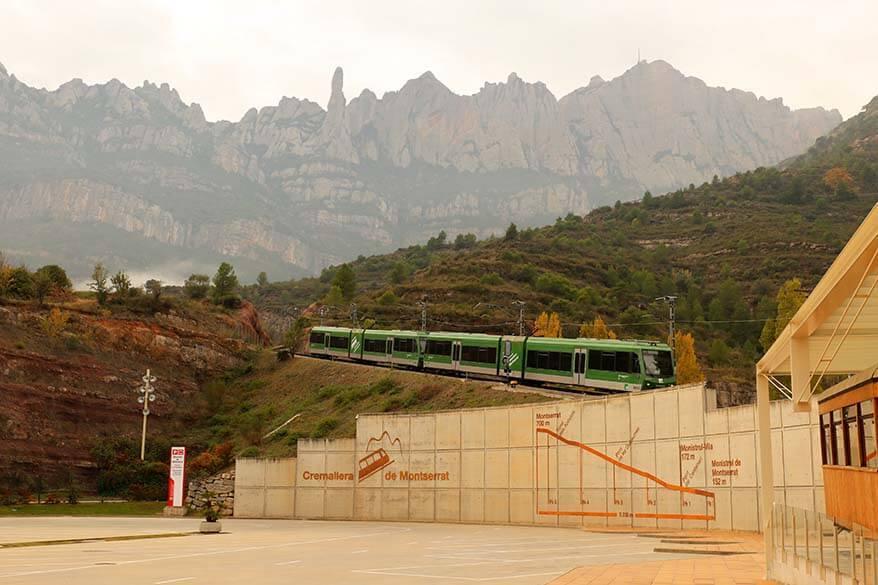 Montserrat Rack Railway - Montserrat train at Monistrol de Montserrat station