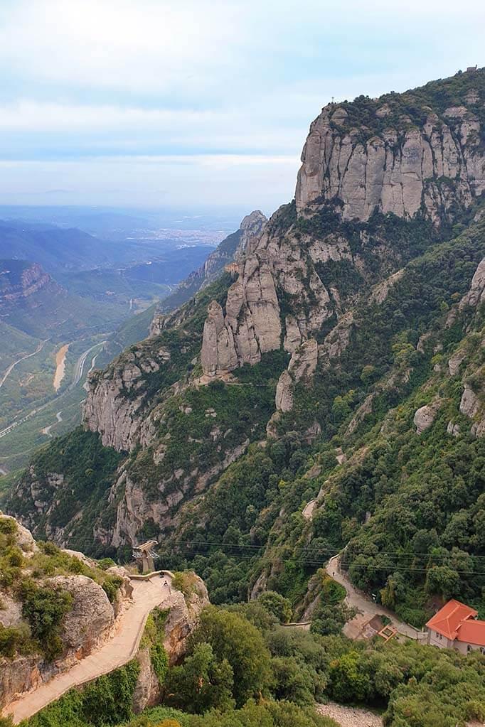 Santa Cova de Montserrat hike