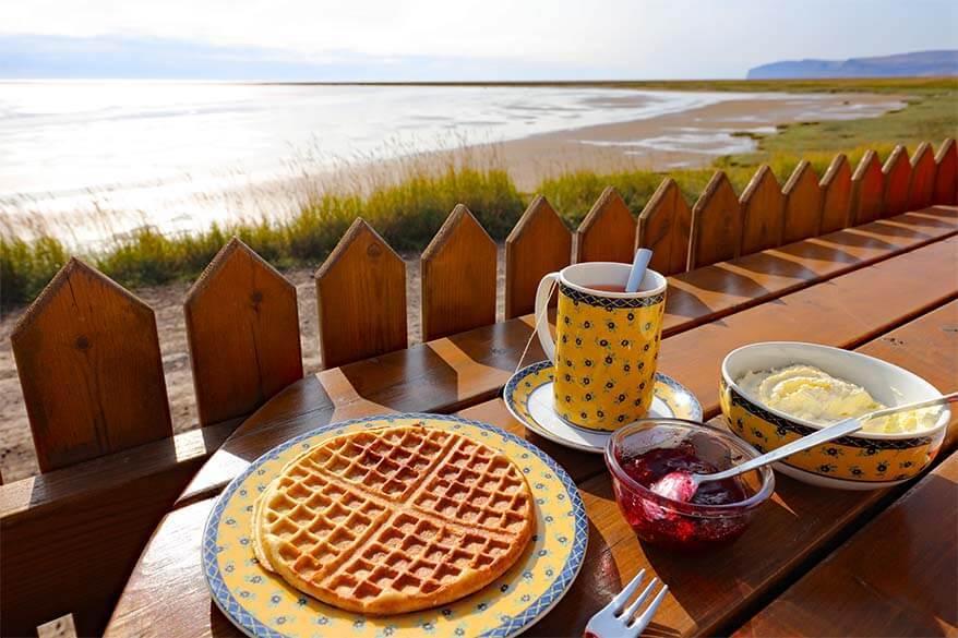 Waffles at the French cafe at Raudasandur