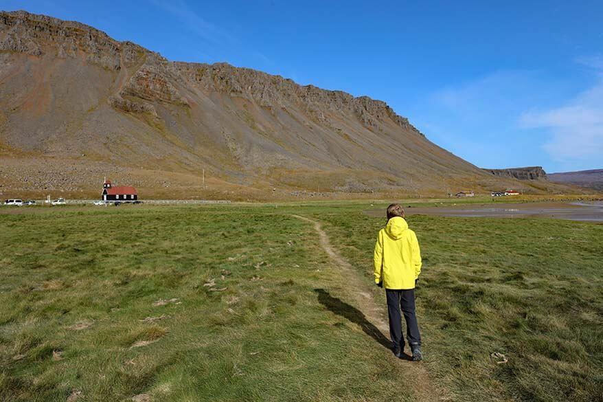 Walking path from Sarbaejarkirkja to Raudasandur beach