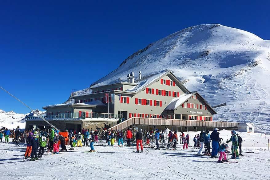 Berghaus Jochpass restaurant and accommodation on the ski slopes in Engelberg