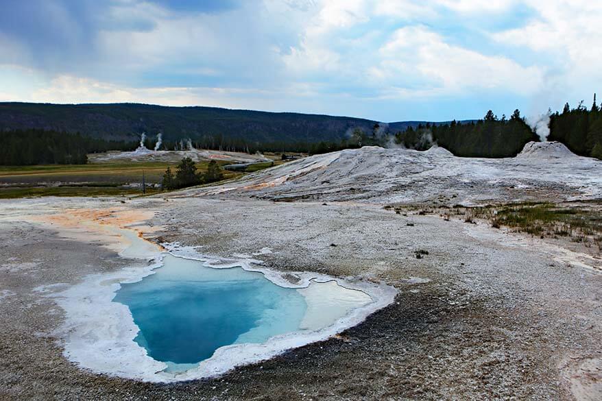 Geyser Hill - Upper Geyser Basin in Yellowstone