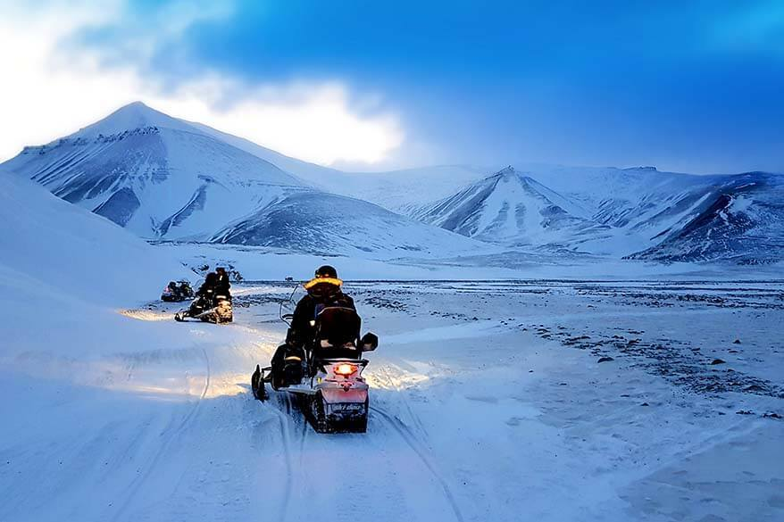 Svalbard snowmobile - day tour with Better Moments Svalbard