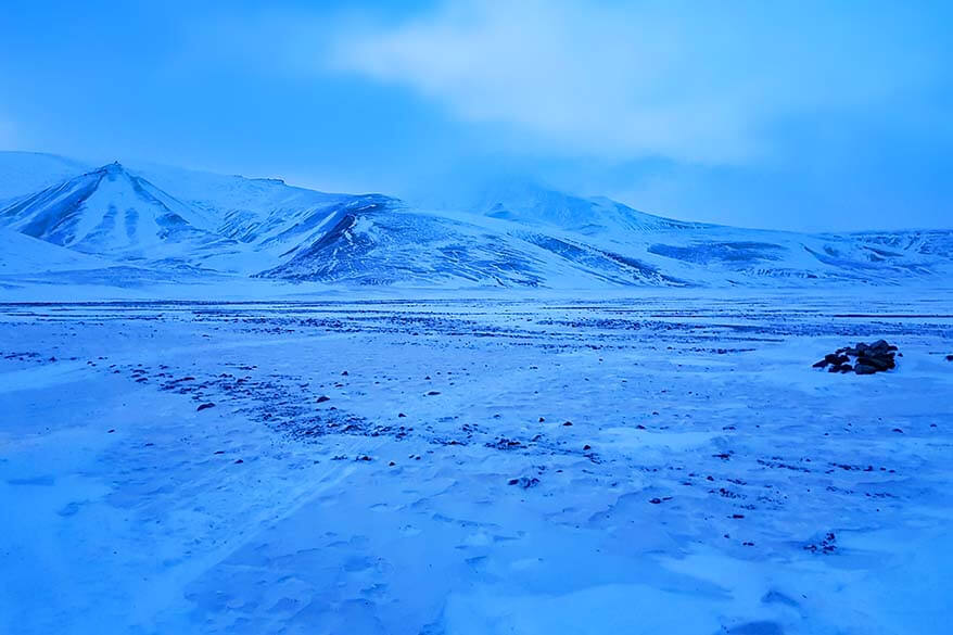 Vast landscapes of Svalbard can only be seen by snowmobile