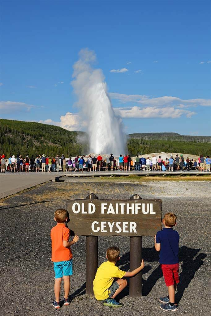 Visitors guide to the Old Faithful