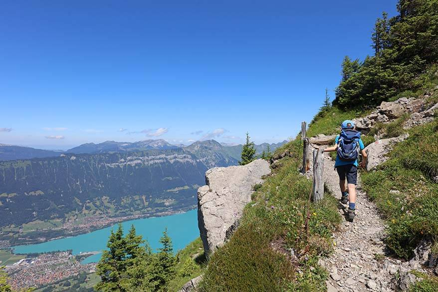 Hiking from Schynige Platte to Oberberghorn