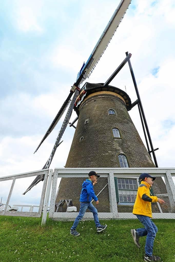 How to visit Kinderdijk windmills