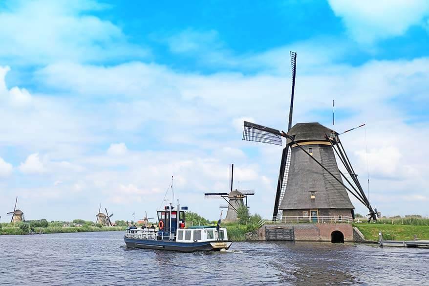 Kinderdijk windmills and Canal Cruiser boat