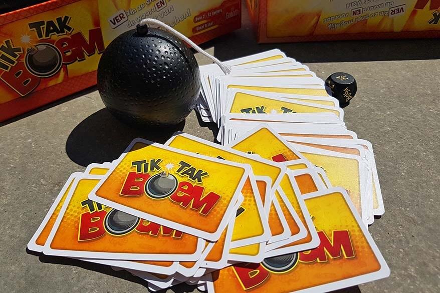 Playing board games with kids - Tik Tak Boem