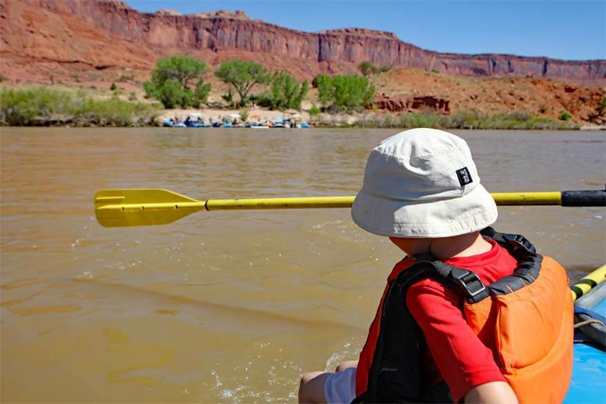Family rafting in Moab Utah