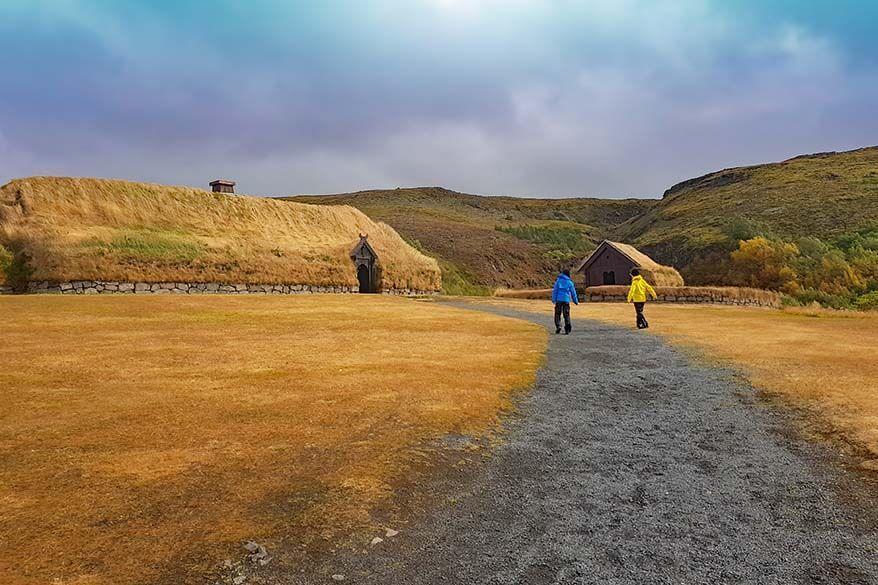 Þjóðveldisbærinn Viking Era Farm in Iceland